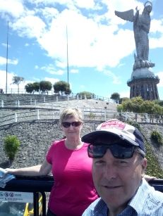 Another selfie at the Status in Quito